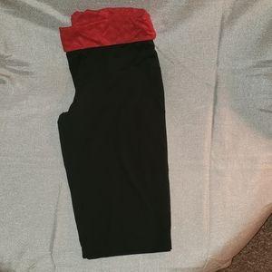 Danskin Cropped Yoga Pant